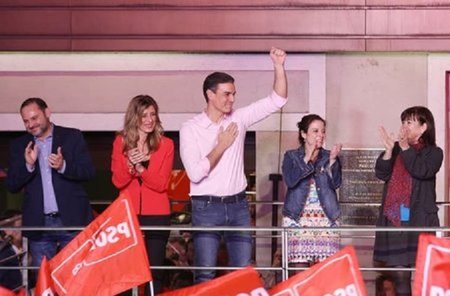 Socialists win in Spain